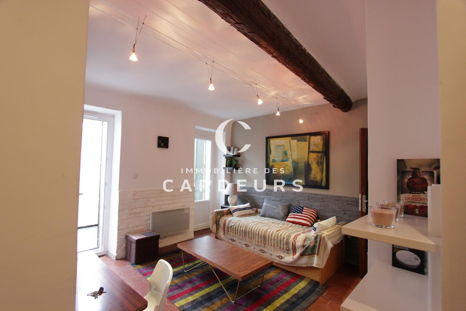 location studio meubl aix en provence centre ville avec. Black Bedroom Furniture Sets. Home Design Ideas