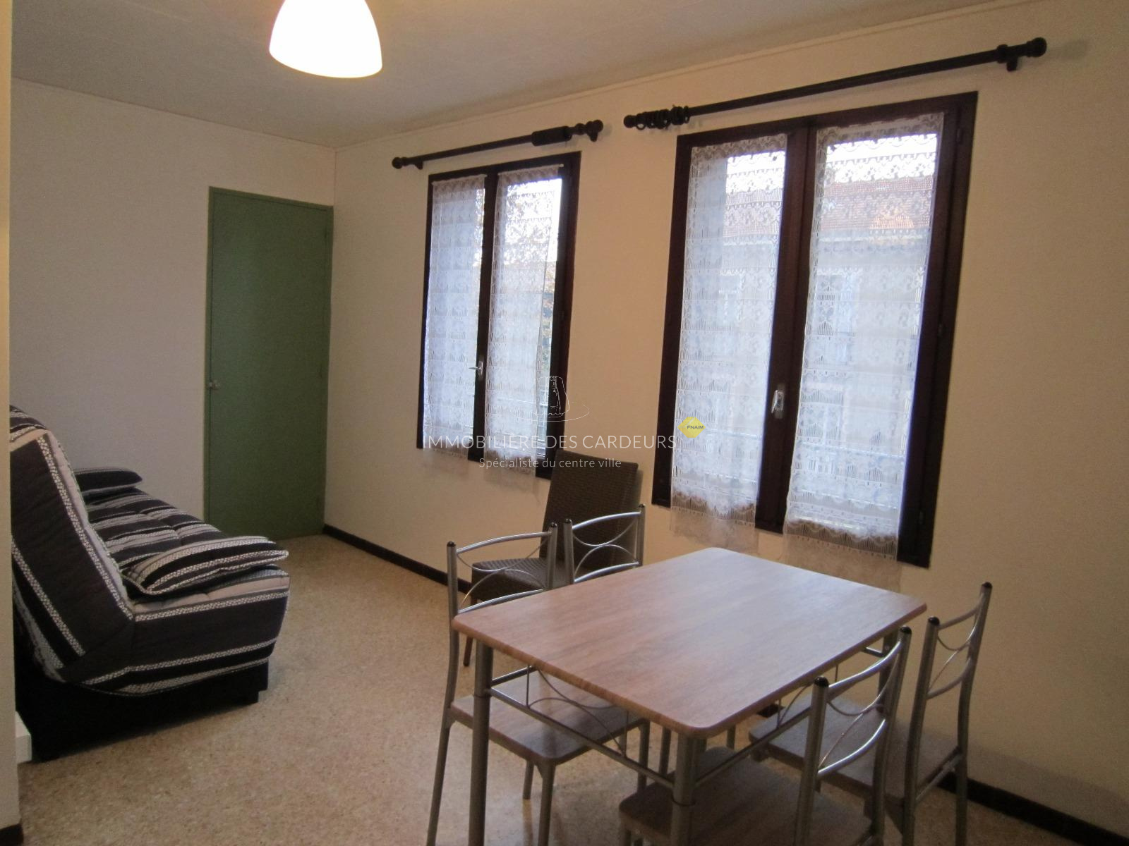 location studio meubl aix en provence centre ville proche rotonde. Black Bedroom Furniture Sets. Home Design Ideas